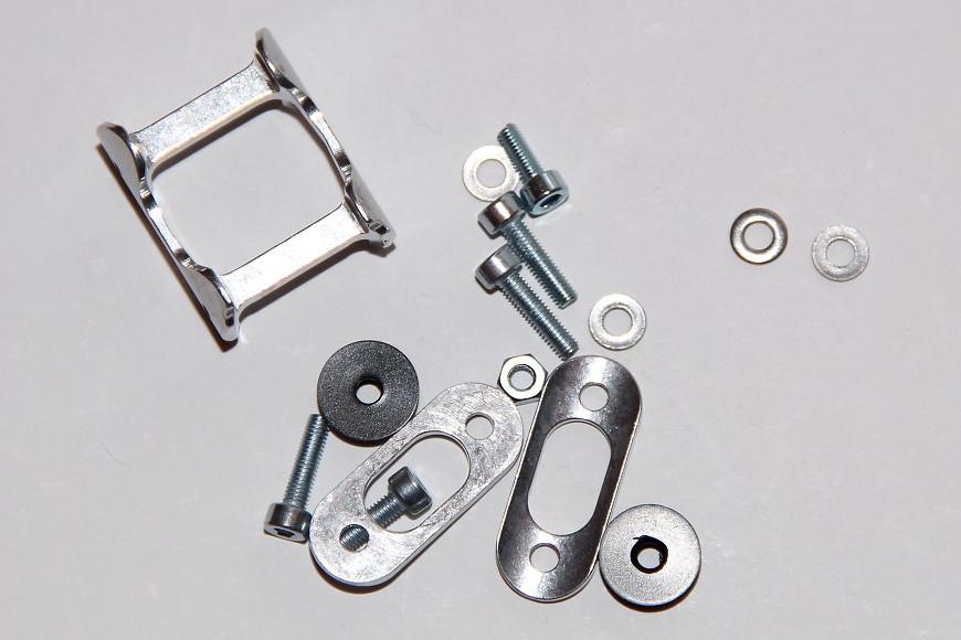 Henseleit TDF - Heckgetriebe: Formstücke zur Seitenleitwerksbefestigung und Befestigungseinsatz